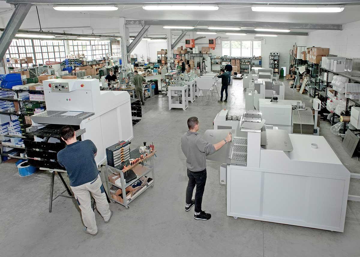 Produzione macchine per l'industria calzaturiera